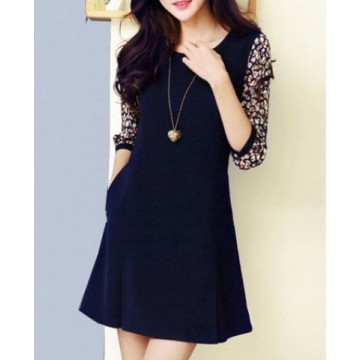 Chic Style Round Collar Ruffled Tiny Floral Print 3/4 Sleeves Women's Dress - L