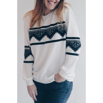 Stylish Round Neck Long Sleeve Ethnic Print Sweatshirt For Women